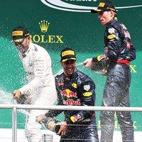 Red Bull pezsgővel
