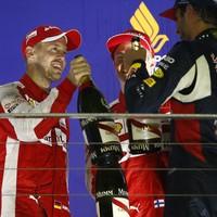 Vettel először, másodszor, harmadszor!