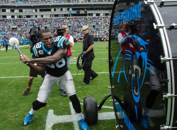 thomas-davis-keep-pounding.jpg