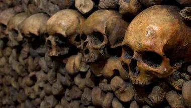 Tiltott barangolás a halál párizsi labirintusában