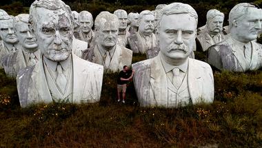 Egy helyen rohadnak a meglékelt amerikai elnökök fejei