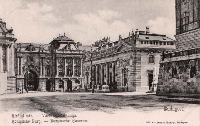 Buda -Főőrségi épület - Oroszlános kapu - 1910k.jpg