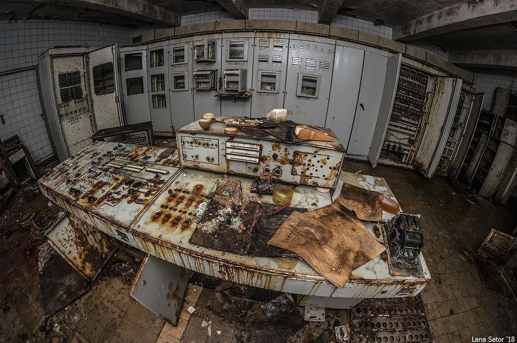 Bal oldali kapcsoló 'zombisítás', jobb oldali 'mumifikálás' :D  (Fotó: lana-sator.livejournal.com)