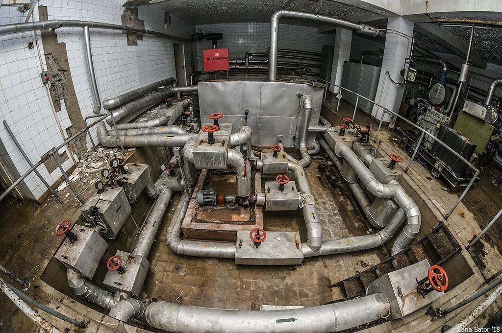 Egy komplett műszaki létesítmény (Fotó: lana-sator.livejournal.com)