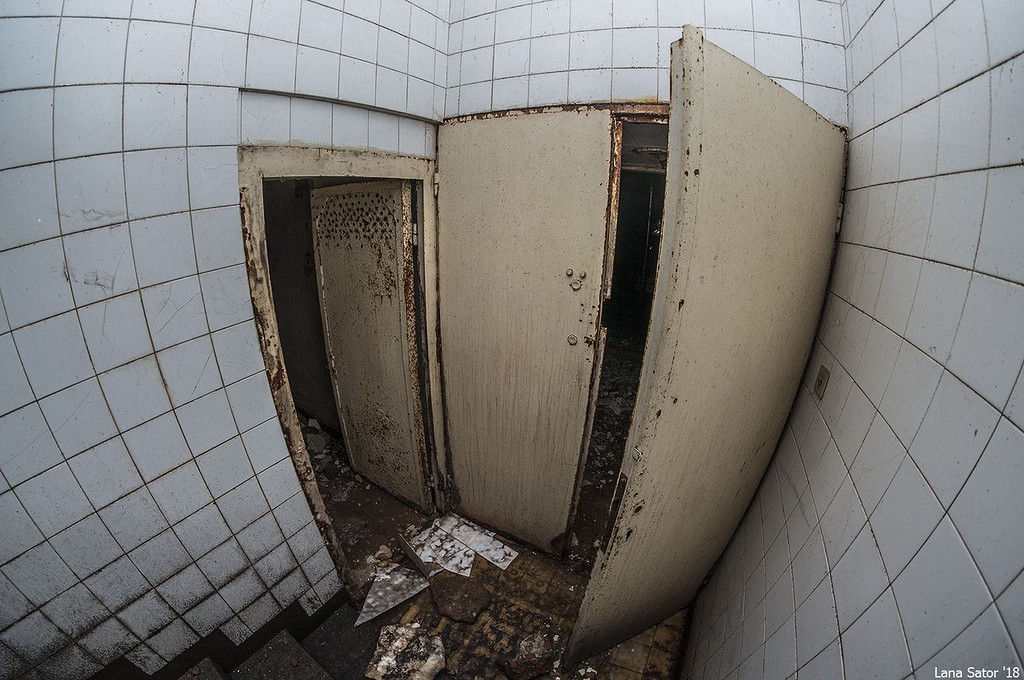Bejárat a lifthez (Fotó: lana-sator.livejournal.com)