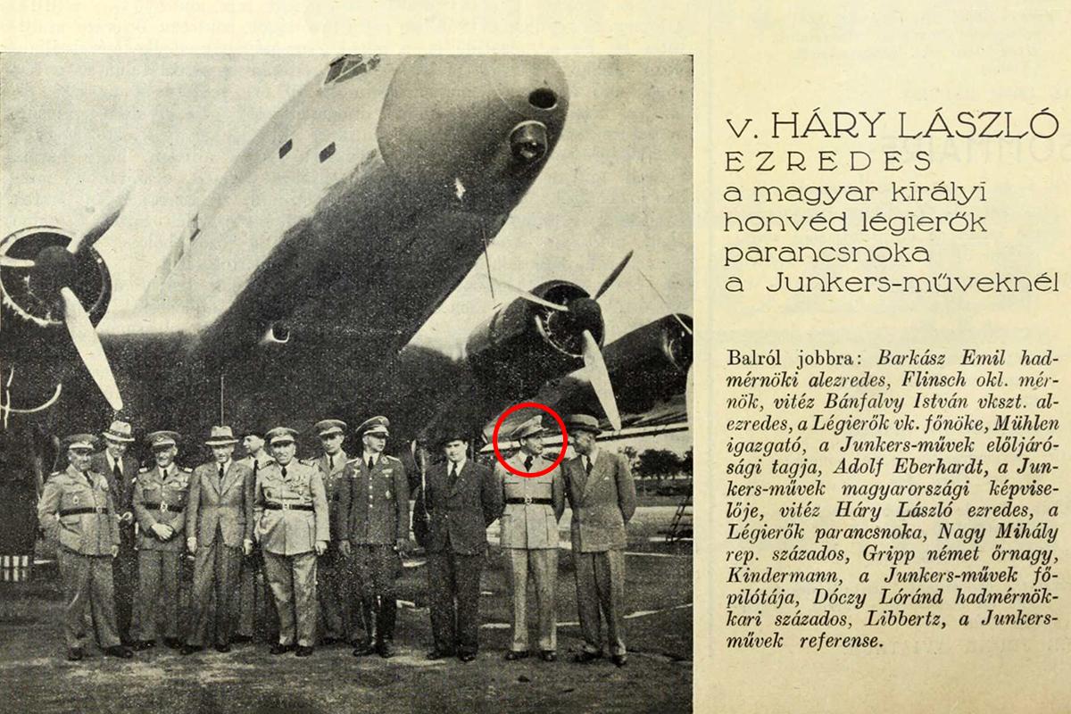 Dóczy Lóránd pilótaként többedmagával a dessaui Junkers Műveknél. (Fotó: Magyar Szárnyak, 1939)