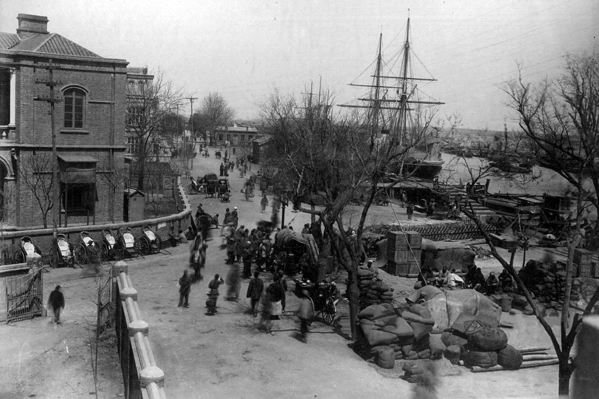 Az Osztrák-rakpart építése. (Tulajdonos: Falanszter.blog.hu)