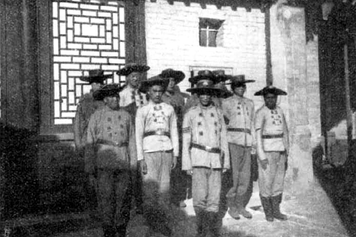Kínai shimbók, azaz rendőrök az Osztrák-Magyar Monarchia szolgálatában. (Fotó: Vasárnapi Újság)