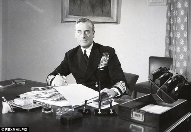 Lord Mountbatten, a Brit Királyi Hadsereg parancsnoka, a Habakuk-projekt felkarolója (Fotó: 99percentinvisible.org)
