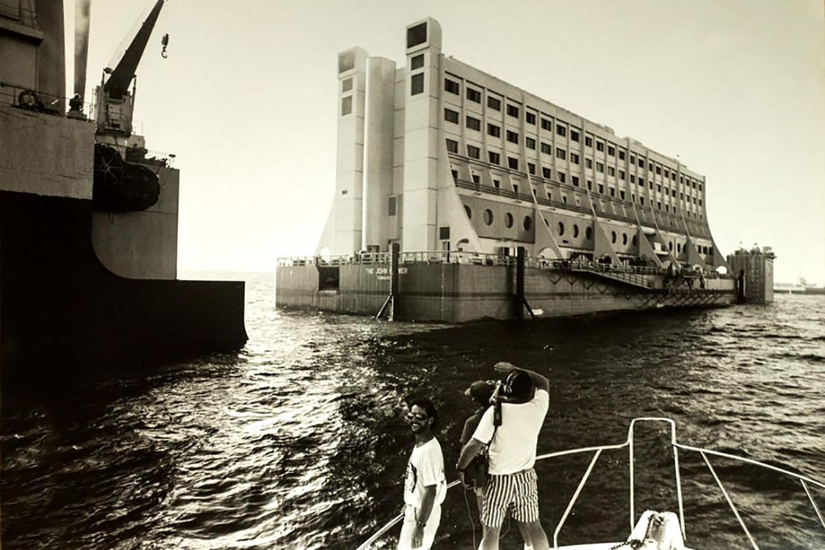 A hajó elszállítása Szingapúrból. (Forrás: Townsville Maritime Museum)