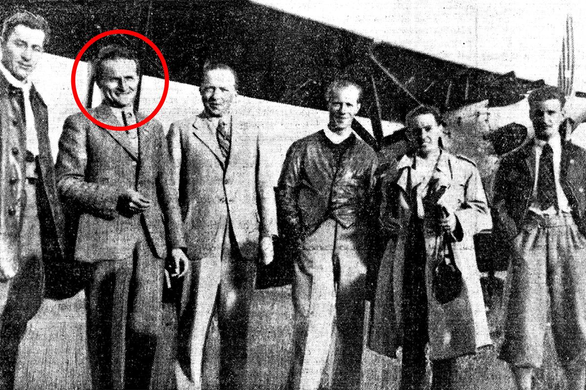 Dóczy Lóránd és társai, miután sikeresen körberepülték Lengyelországot három Gerle 13-as típusú repülőgépükkel és visszatértek Budapestre. (Fotó: Az Est, 1934)