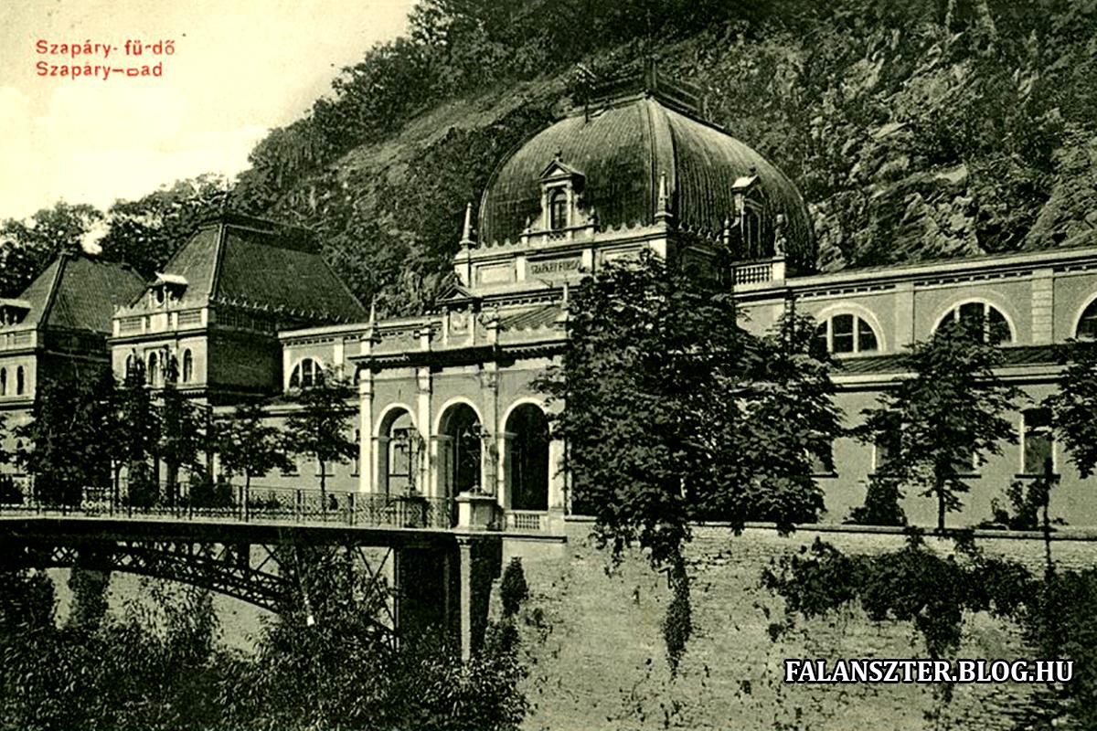 Kupola a dombok között. (Forrás: Falanszter.blog.hu)