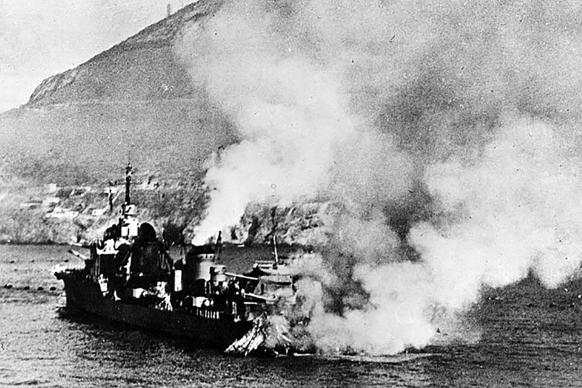 Az angol flotta megsemmisíti szövetségese, Franciaország hadihajóit (Fotó: Wikipedia.fr.)