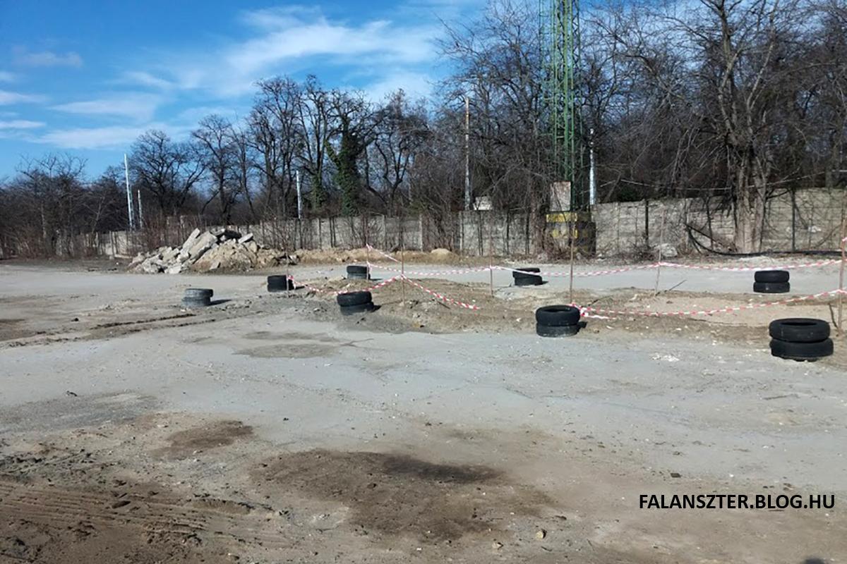 Az omlásveszély valós. A bunker feletti terület a napokban beomlott. (Fotó: Dézsy Zoltán)