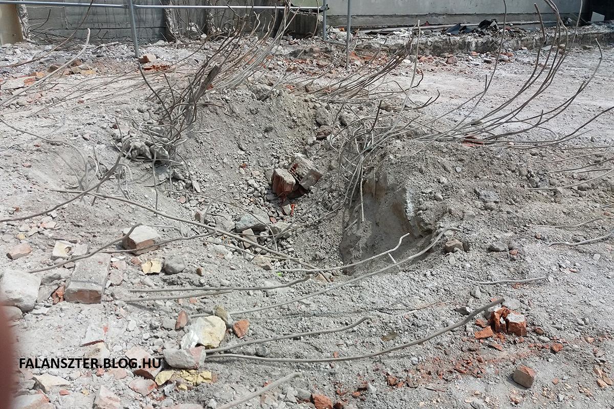 Acélháló és beton. Jó sok beton (Fotó: Dézsy Zoltán)