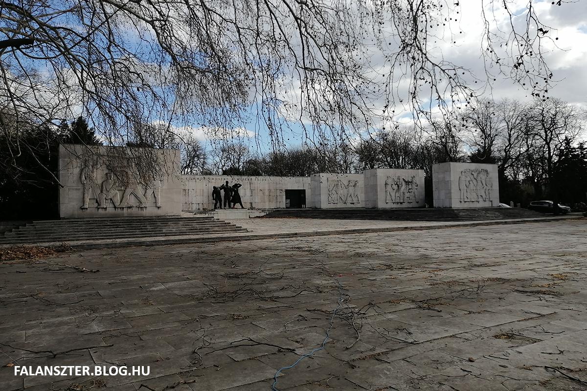 A Munkásmozgalmi Pantheon (Fotó: Jamrik Levente/Falanszter.blog.hu)