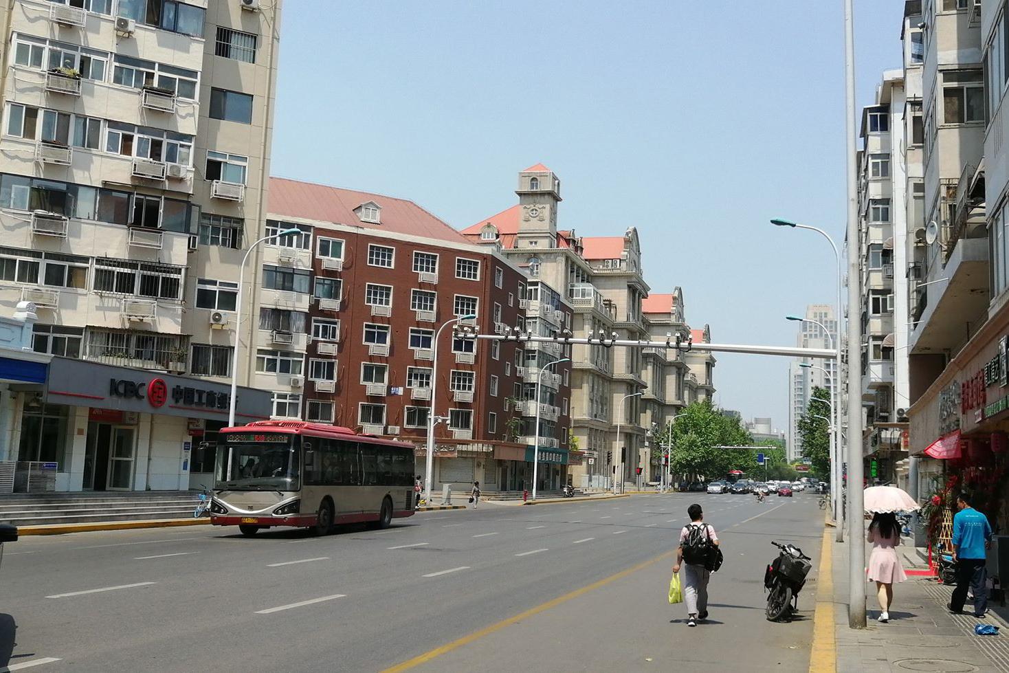 Az egykori tiencsini Ferenc József utca, majd körút napjainkban (Fotó: Rimányi Áron - Falanszter.blog.hu)