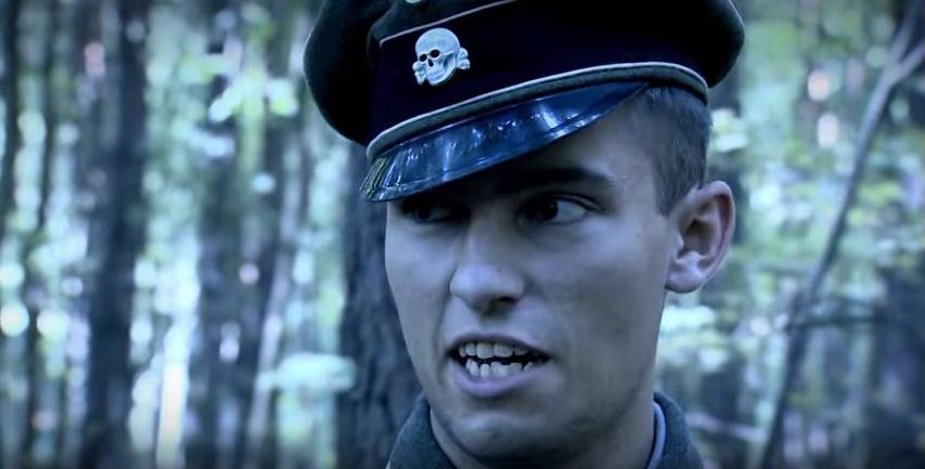 Kivégzést vezénylő SS-tiszt (Fotó: Magyar korridor - Varsó 1944 című film)