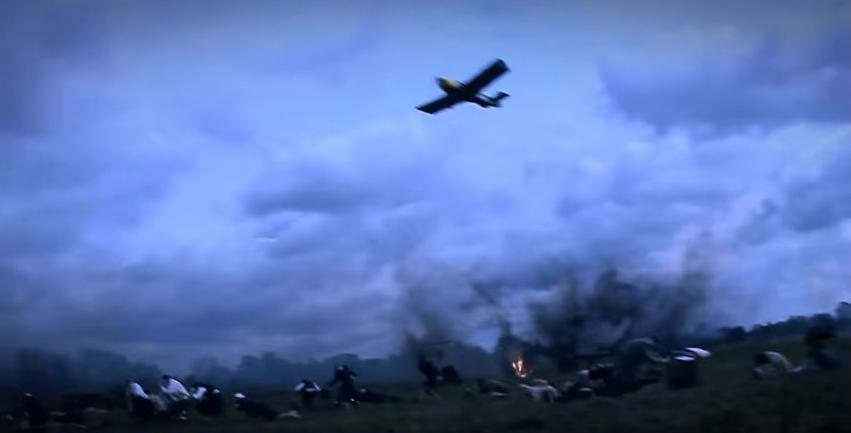 A Luftwaffe támadása (Fotó: Magyar korridor - Varsó 1944 című film)