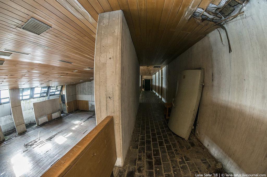 Az ajtó marad (Fotó: lana-sator.livejournal.com)