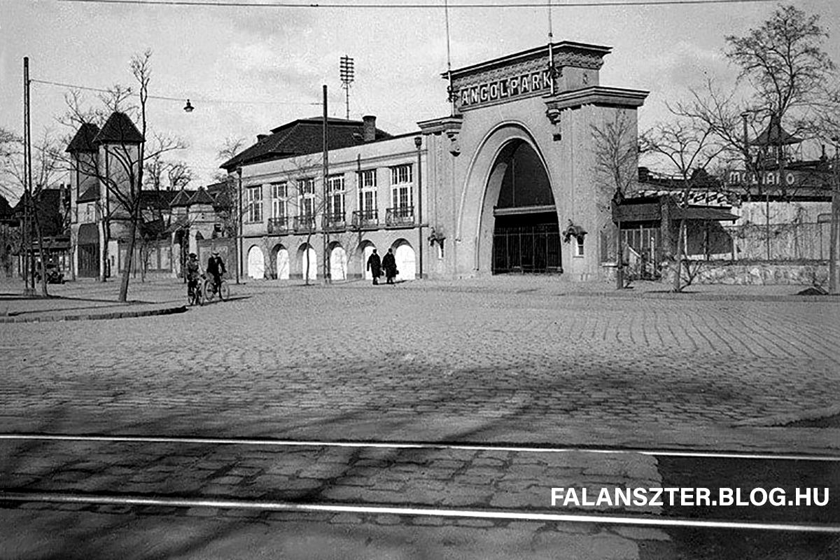 Az Angol Park egykori bejárata (Forrás: Falanszter.blog.hu)