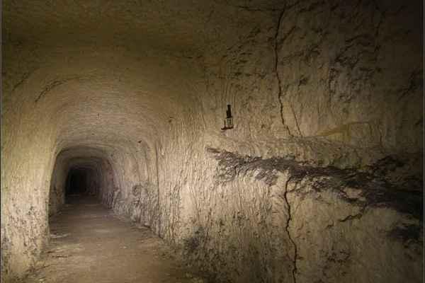 párizsi katakomba11.jpg