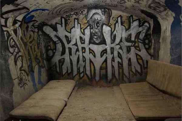 párizsi katakomba13.JPG