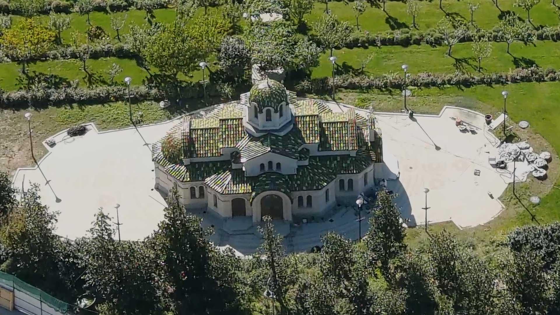 A Görögországból átszállított templom. (Fotó: Palace.navalny.com)