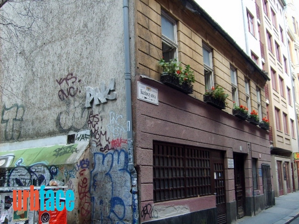A Kazinczy utca 55 szám alatti Schneider-Rothauser-ház (Fotó: Urbface.com)