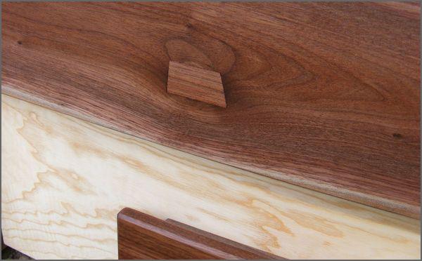 kézműves dió bútor
