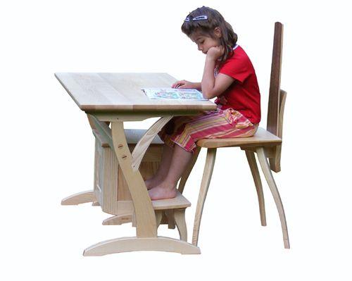 íróasztal gyerekkel