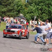 A szurkolók mentették meg a rallyversenyző életét! + videó