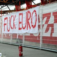 Fuck Euro 2012 News: helyeket szabadítanak fel  a börtönökben