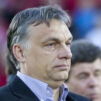 Füttykoncert Orbánnak és Kósának