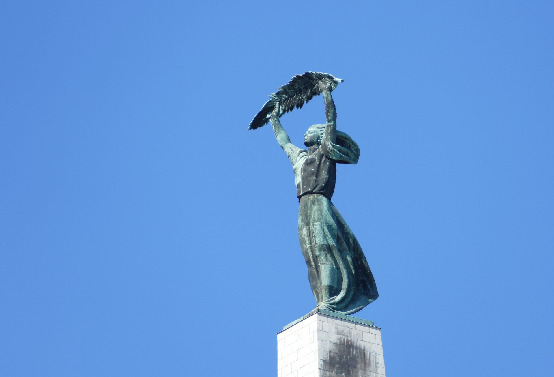 budapest-2529158_1920.jpg