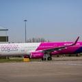 Kénytelen még olcsóbb jegyeket adni a Wizz Air is