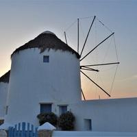 Végre lesz fapados a horvát tengerpartra és egy király görög szigetre