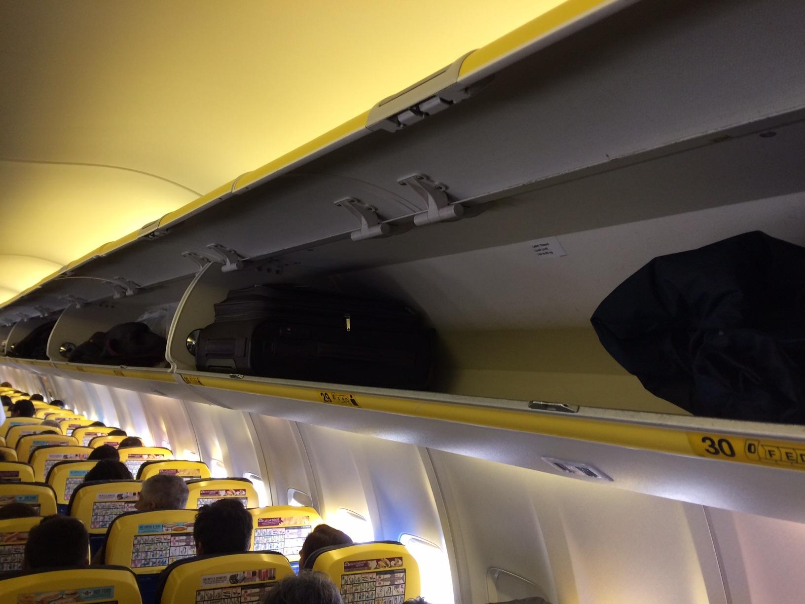 ecce049d6eef Borzasztóan túltolja a kézicsomagtalanítást a Ryanair - Fapados ...