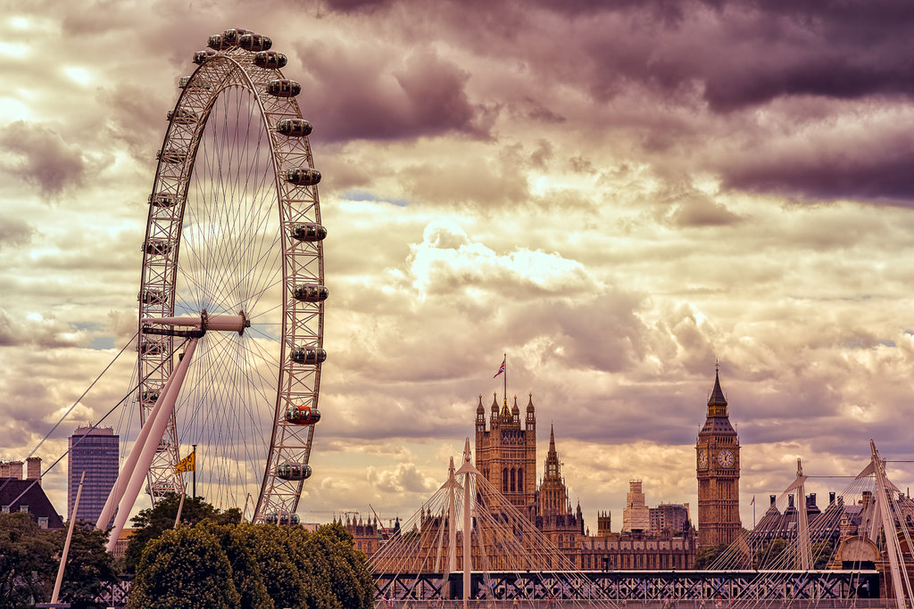 london_eye_and_big_ben_by_hessbeck_fotografix-d6v65xy.jpg
