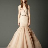 Az esküvői ruha új színe a 'nude'