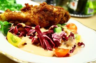 Saláta, Ezersziget öntet, rántott csirke