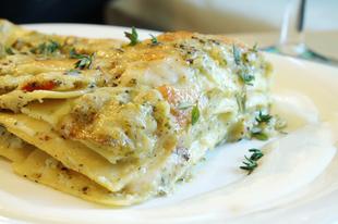 Brokkolis-karfiolos lasagne