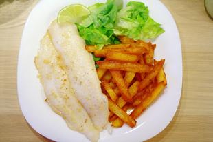Fish, chips, saláta