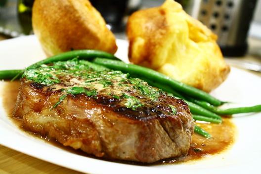 steak_argentin_hátszin_kész_tányéron.jpg