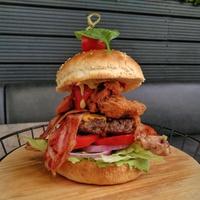 Húst hússal - Meatlover Burger