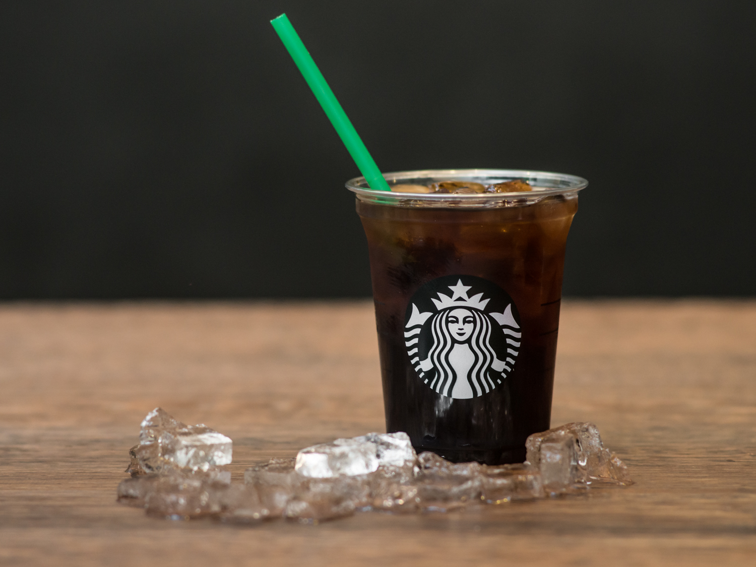 starbucks_cold_brew-lifestyle_3.jpg