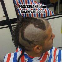 Kimennél az utcára ilyen hajjal?