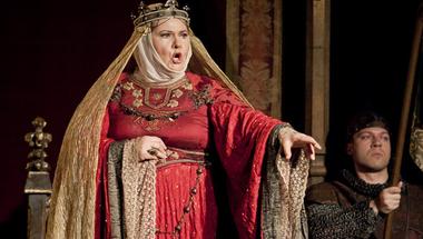 Alfonz vagy Caesar?