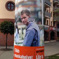 Meghekkelt választási plakátok