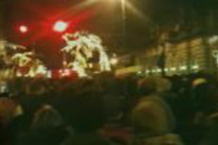 Tüntetés a halotti tor ellen - fotó, videó
